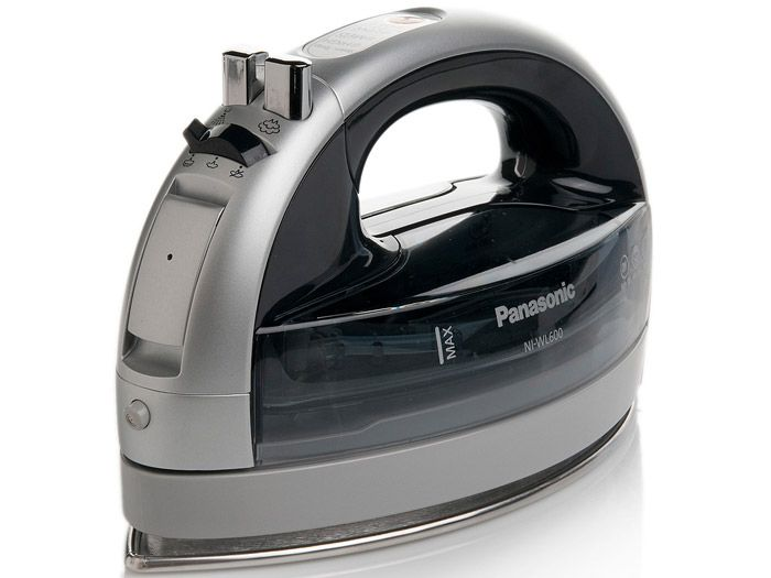 Panasonic NI-WL600 - Cordless 360° Freestyle Steam/Dry Iron with Curved Stainless Steel Soleplate