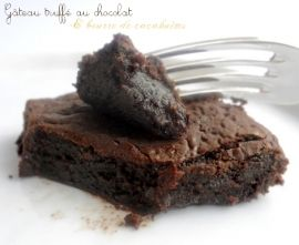 Gâteau truffé au chocolat & beurre de cacahuètes