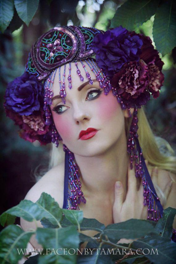 Art Nouveau Mucha Belly Dance Fantasy magique Reine fleurs bandeau coiffe chapeau Couronne Couronne perlée textiles vintage frange