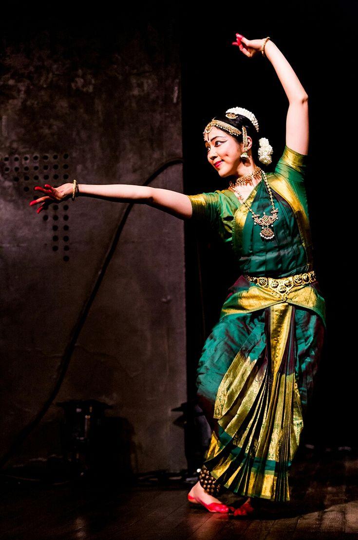 インド古典舞踊 * 世界のダンスまとめ *                                                                                                                                                      もっと見る