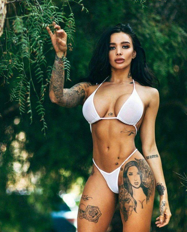 Порно зрелые татуированная латинка фото пикап