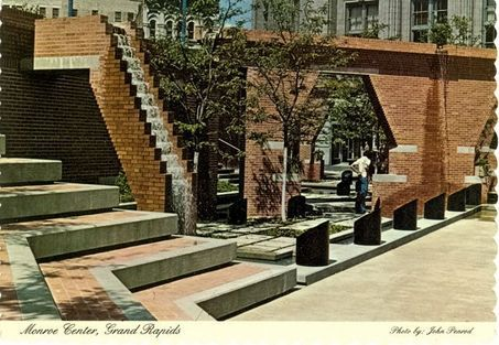 Monroe Center amphitheater before Rosa Parks Circle - early 1990's