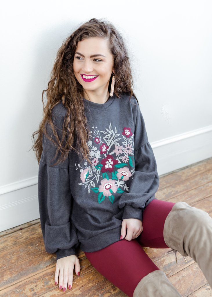 Gray floral embroidered sweatshirt. #floral #embroidery #springstyle
