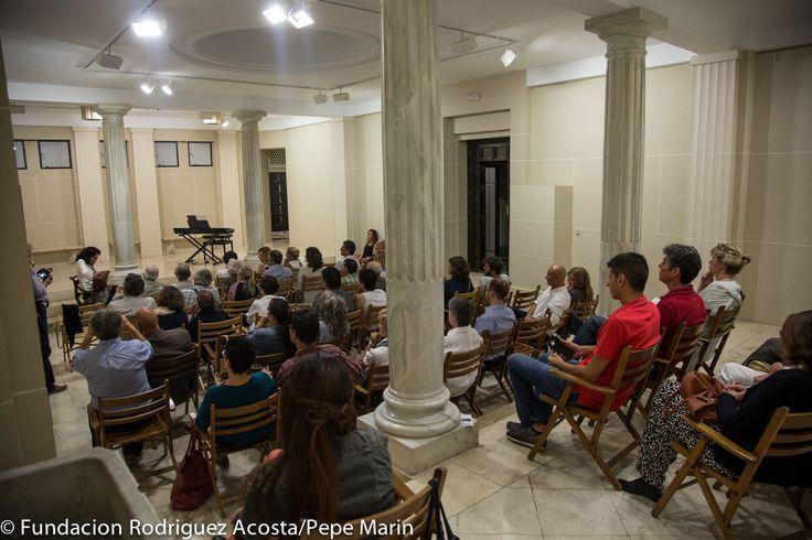 3ª Velada: Esta tarde compartimos con vosotros unas instantáneas de la velada #poética de ayer, con Amelina Correa y la actuación musical de Francisca Ruiz Sillero y Lola Cisneros.  ¡Un buen recuerdo para una magnífica noche!