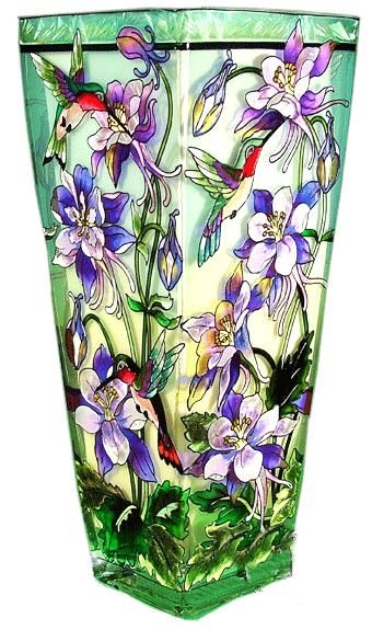 Make your bouquet of flowers come alive with the character of this lovely art glass vase. Crafted with a unique tempered ripple glass, the different glass textu