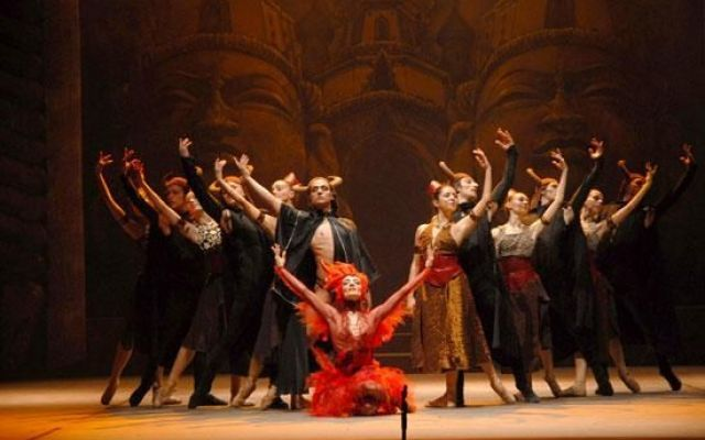 Casting ballerini uomo donna per Il balletto del Sud a Lecce Il Balletto del Sud cerca ballerini/e con formazione classica e attitudine al movimento moderno.L'audizione consente l'inserimento nella graduatoria del Balletto del Sud valida per la stagione 2015/2 #casting #icasting #provini