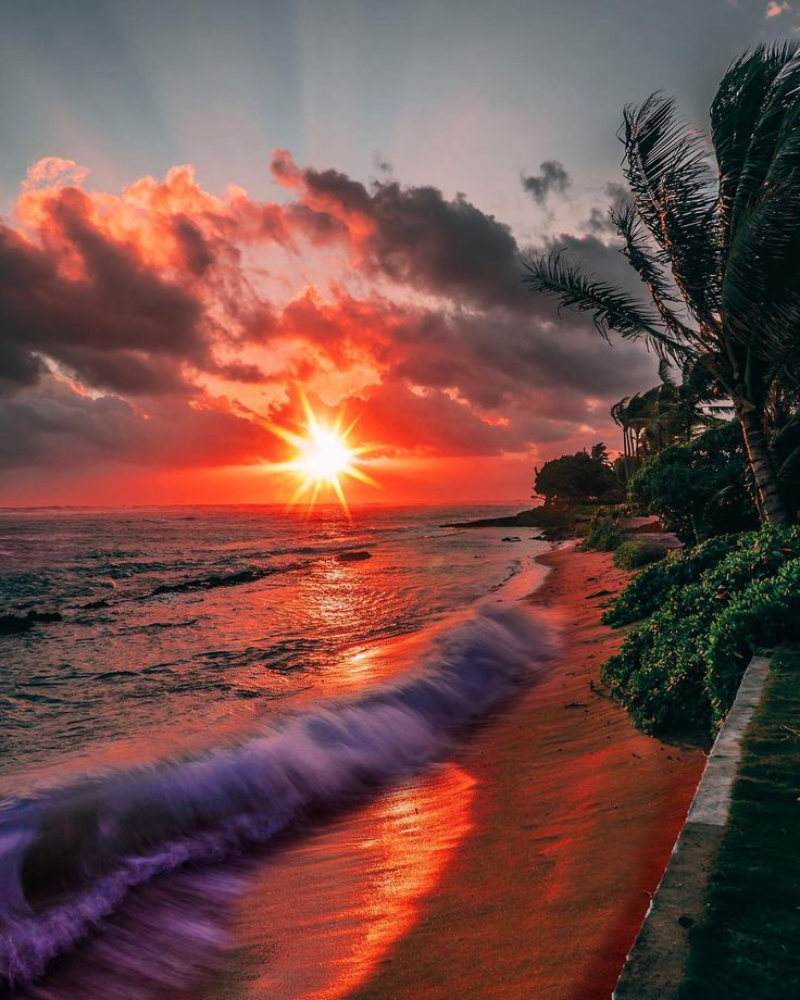 Hauula, Hawaii - by Spencer Lee