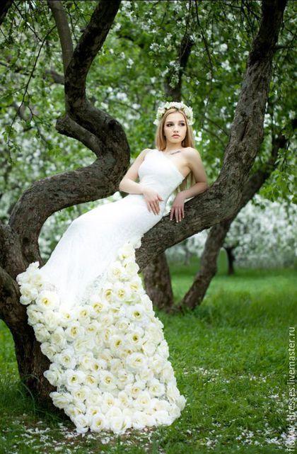 """Wedding dress / Платья ручной работы. Ярмарка Мастеров - ручная работа. Купить Платье цвета """"айвори"""". Handmade. Бежевый, гипюр стрейч, розы"""