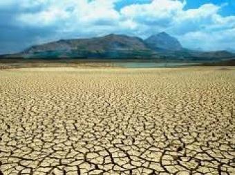 Il Climate change, ossia il cambiamento climatico, produce gli stessi effetti di una guerra. Produce, in particolare, sfollati ed entro qualche anno ne produrrà alcune centinaia di milioni . Questa catastrofica previsione è stata pronunciata da Nicolas Stern, economista ed esperto... http://www.mondoeco.it/il-climate-change-produrra-milioni-di-sfollati/5805/