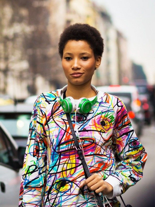 6 Perfect Fashion Podcasts for Your Commute
