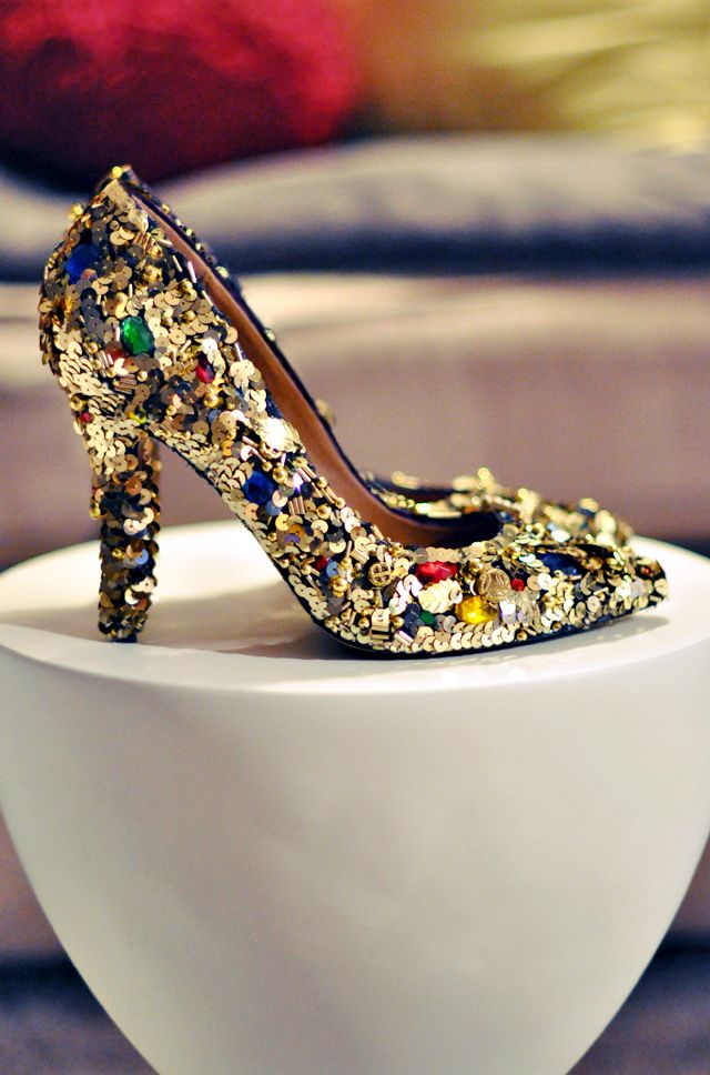 Dolce & Gabbana   -  Embellished shoes diy + gold sequins and gem dolce and gabbana shoes diy pumps - DIY love maegan  I love her! The things she makes are so great!  Though I don't like a lot of Bling Bling, I really love these shoes (: <3