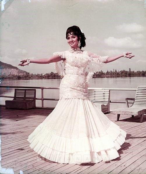 Aasha parekh style dress pattern