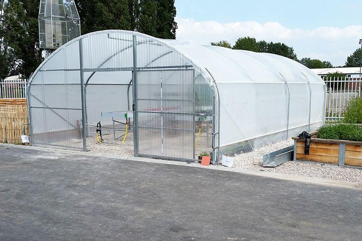 17 meilleures id es propos de serre tunnel sur pinterest serre de jardin - Montage serre tunnel ...