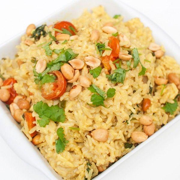 Lettvint indisk risrett der alt tilberedes i samme gryte. Indiske oppskrifter har ofte veldig lange ingredienslister, og denne er intet...