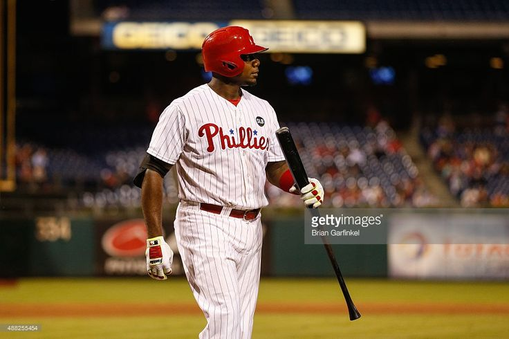 Ryan Howard #6 of the Philadelphia Phillies walks back to the dugout after striking out in the sixth inning of the game against the Washington Nationals at Citizens Bank Park on September 14, 2015 in Philadelphia, Pennsylvania. The Nationals won 8-7 in the eleventh inning.