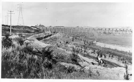 MP 675. Gardiners Creek at Black Bridge showing workers excavating the present course of Gardiners Creek near East Malvern railway station, c1930.