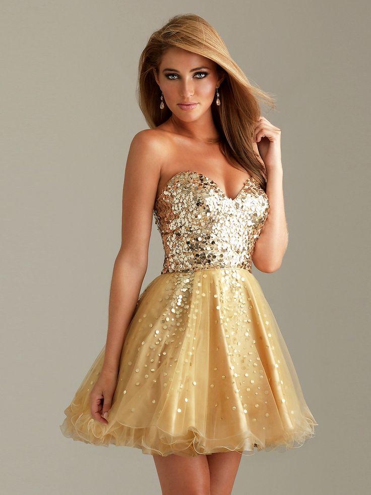 Vestido champagne de fiesta para brillar como una princesa