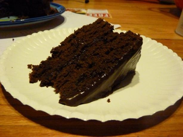 Refrigerator Chocolate Fudge Frosting Cake: Chocolate Cake With Fudge Frosting Recipe