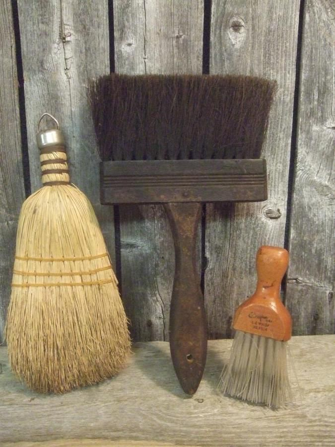 3 Primitive Old Vintage Straw Hand Whisk Brooms Lot & Tommy Pick (?) Used in log cabins for lighting, jabbed into logs where needed. http://www.pinterest.com/pin/1407443607866576/