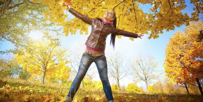 ¿Por qué beber agua en Otoño e Invierno? Hidratarse durante las épocas de frío resulta igual de importante que hacerlo en pleno verano, aún cuando tu cuerpo no te haga sentir el deseo de una bebida helada, como sucede durante los días de más calor.  Entérate de más en nuestro blog http://www.aguaquecuidadeti.com/por-que-beber-agua-en-otono-e-invierno/  #agua #salud #otoño #hidratación #invierno