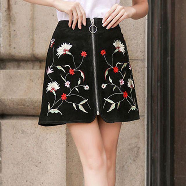 2017 Jesień Spódnica Mini Kwiatowy Haft W Stylu Vintage Wysoka Talia Faux Zamszowy Slim Czarnych Kobiet Spódnica-line Koło Zamek XS-XL