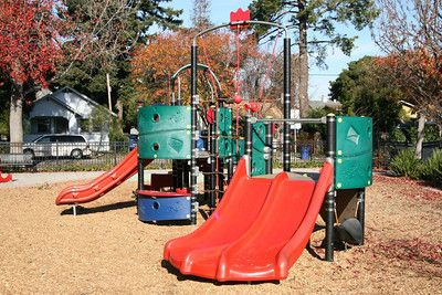 McCartney Park is a cute little neighborhood park in San Leandro California right next to Washington School.