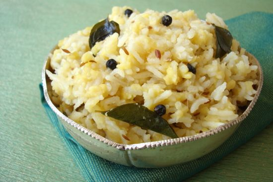 Navratri Special ~ Katte Pongali - Rice with Moong dal