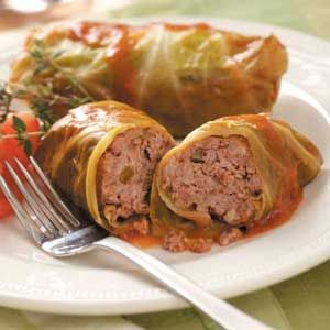 Slow-Cooker Cabbage Rolls