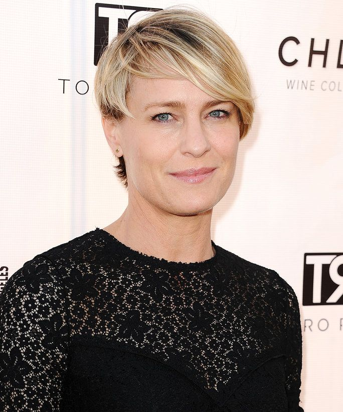 Robin Wright Demanded Equal Pay on House of Cards | InStyle.com
