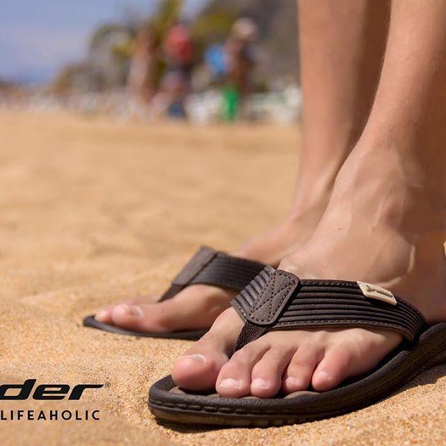 Rider Dunas. Incombustible e indispensable. #lifeaholic way of life by #ridersandals  #playa #arena #españa #verano #fashion #style #stylish  #photooftheday #instagood #cool #model #shoes #styles #fresh  #friends  #happy #love #summer #τσακαλιάν #tsakalian #tsakalianshoes #piraeus #athens #greece