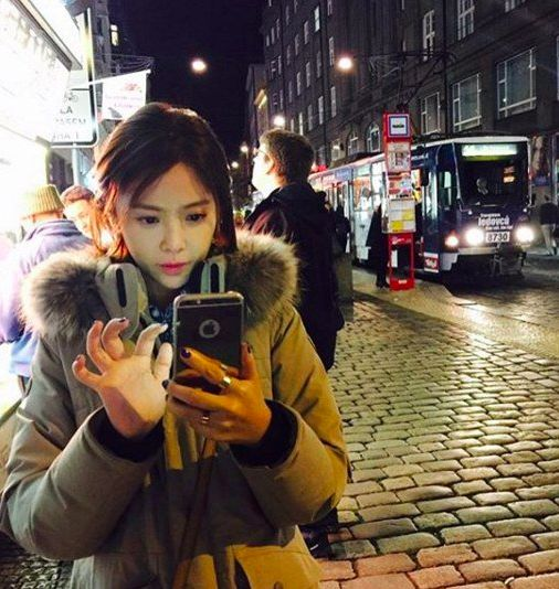 """Hwang Jung Eum Vacations in Prague Following """"She Was Pretty"""""""