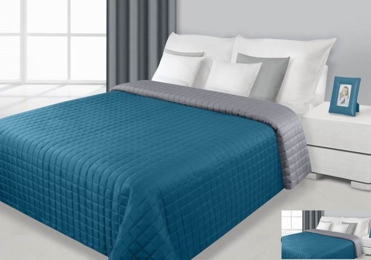Prehoz na postele zeleno sivej farby