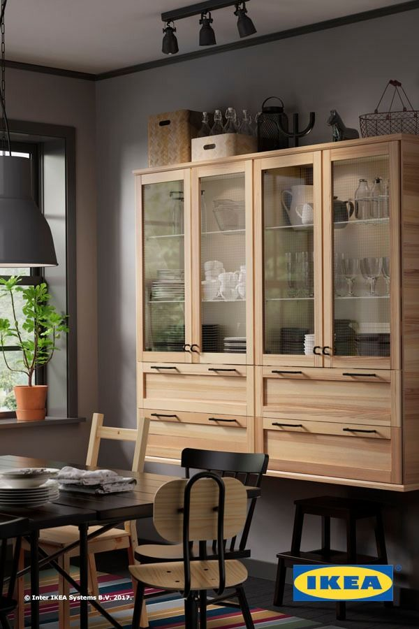 Plenty of storage makes organizing your kitchen and dining area a breeze. With IKEA SEKTION kitchens, it's easy to create a mix of storage that suits your style and space.