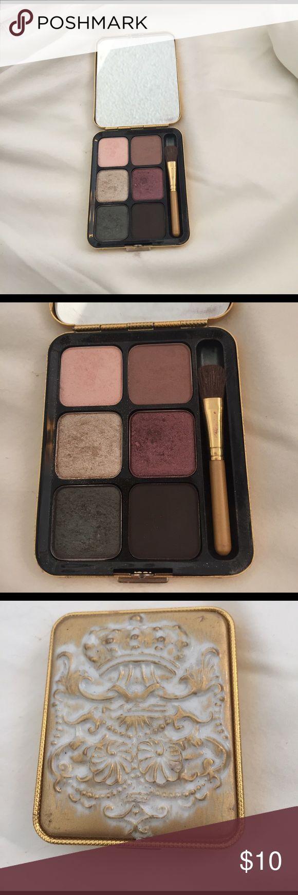 Mac makeup kit only used a few times Warm beautiful colors ❤️ MAC Cosmetics Makeup Eyeshadow