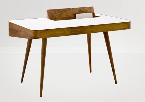 Design danois pour ce bureau en noyer américain - 12 bureaux pour travailler design - CôtéMaison.fr