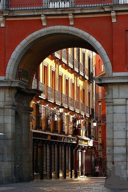 47 best images about estatuas esculturas representativas for Calle prado jerez madrid
