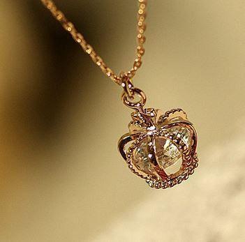 $16.90   DIAMOND HEART CROWN NECKLACE
