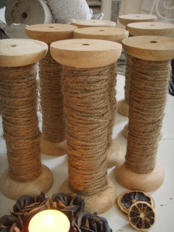 Brocante houten klos met jute touw 7 x 18 cm