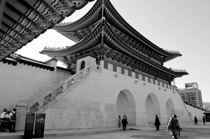 Main gate of Gyeongbokgung Palace, in Jongno-gu, Seoul, South Korea. Photographed by Teri Ham.