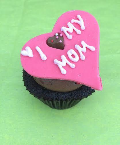 #cupcakes #mothersday #sugarart #love #pink #yummy #chocolate