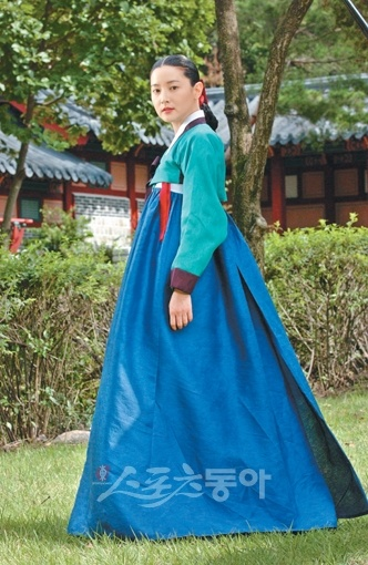 Korean hanbok - oh, the turquoise and blue combination!