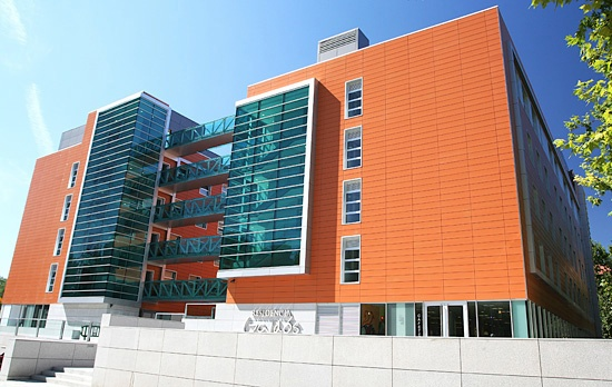 Residencia universitaria benito p rez gald s madrid for Universidades que ofrecen arquitectura