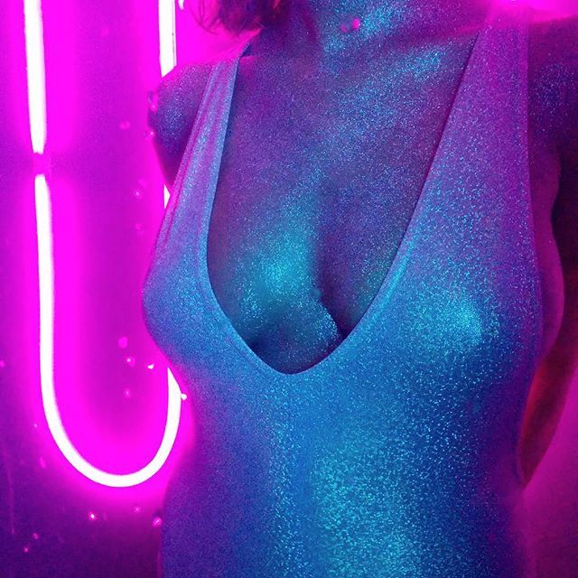 Glitter body Emma Smetana Koki9