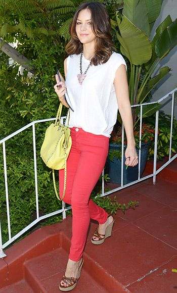 Photo Gallery : InStyle.com great outfit with red jeans