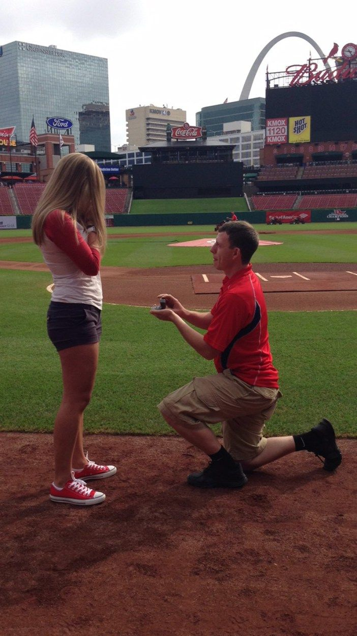 The perfect @Cardinals baseball proposal! From an adorable Shane. Co couple!