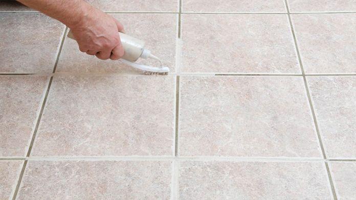 Geniální trik jak vyčistit spáry mezi dlaždicemi pomocí ingrediencí z Vaší kuchyně! | Vychytávkov