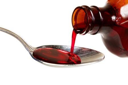 Ecco il rimedio naturale contro tutti i malanni di stagione: come curare raffreddore, mal di gola e tosse con lo sciroppo fatto in casa   Influenza e �