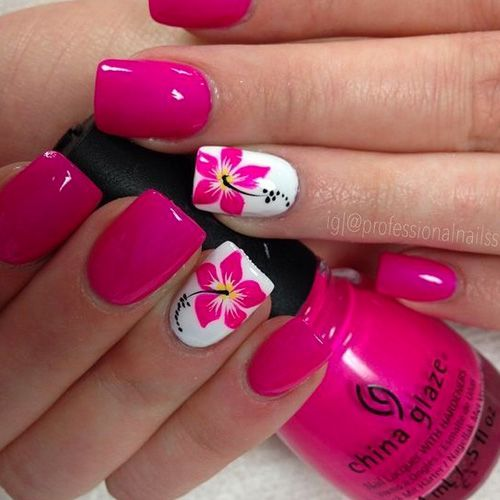8 Very Pretty Floral Nails To Keep Your Nails Looking Pretty - Hashtag Nail Art