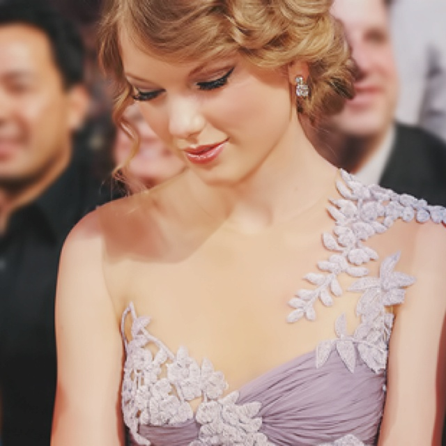Taylor Swift: Wedding Dressses, Buckets Lists, Color, Lavender Dresses, Makeup, Taylors Swift, Life Goals, The Dresses, Hair