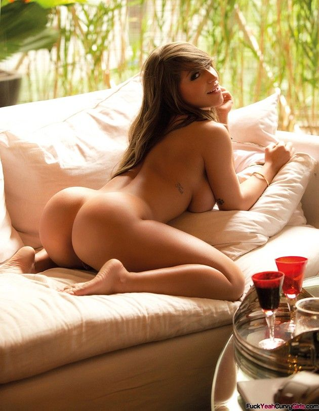 Sexy naked booty girls